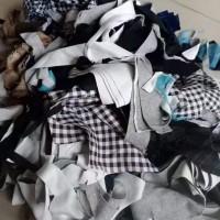 有制衣厂碎布,一个月有400吨,货在广州