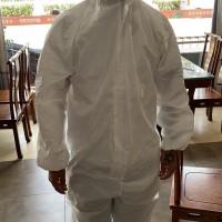 有没压胶的防护服白皮.标准65g..独立包装.